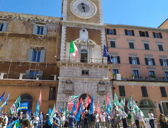 Sciopero Generale 30 Giugno 2021 dei lavoratori dell'energia, gas-acqua e igiene ambientale presidio ad Ancona