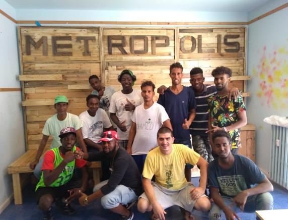 Laboratorio di falegnameria per l'integrazione e l'inclusione sociale: un progetto a Falconara per la formazione professionale dei giovani migranti