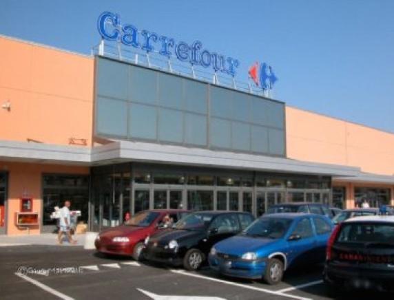 Incentivi e ammortizzatori per i dipendenti Carrefour: chiuso il primo round della trattativa