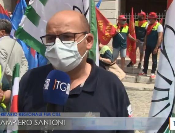 Vertenza Elica: manifestazione ad Ancona. Lavoratori ricevuti dal Prefetto